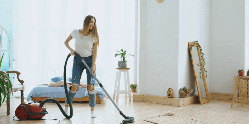 What Time is Okay to Vacuum in an Apartment