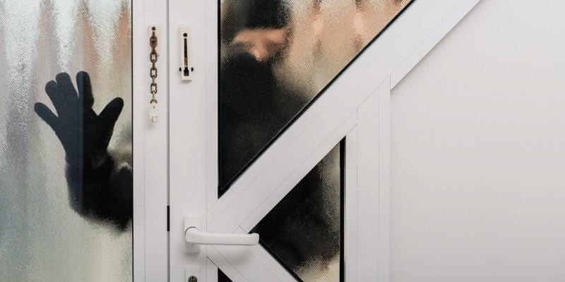 Do Burglars Target Apartments